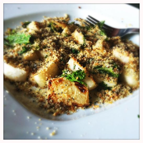 buckwheat tea-braised turnips with poppy seed bread crumbs