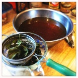 making a tea-braising liquid