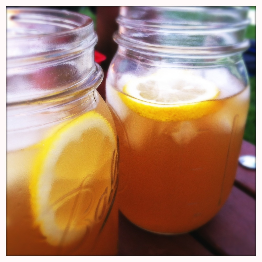 southern mint tea served in ball jars