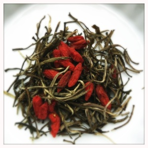 goji berries with silver needle white tea