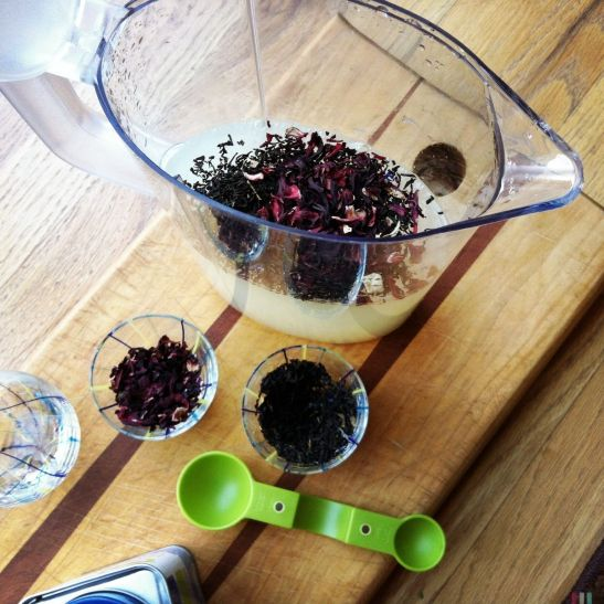steeping earl grey and hibiscus in lemonade