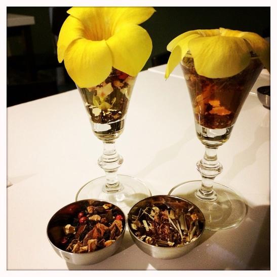 apple-tea-ni and tea dinner decoration