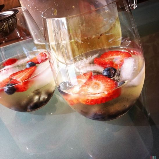 glasses of white tea sangria