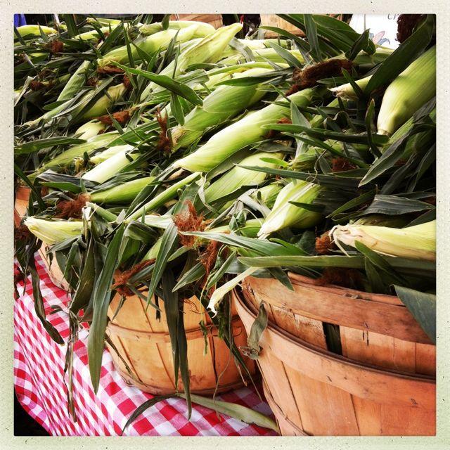 farmers market fresh sweet corn